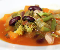 Minestrone suppe opskrift