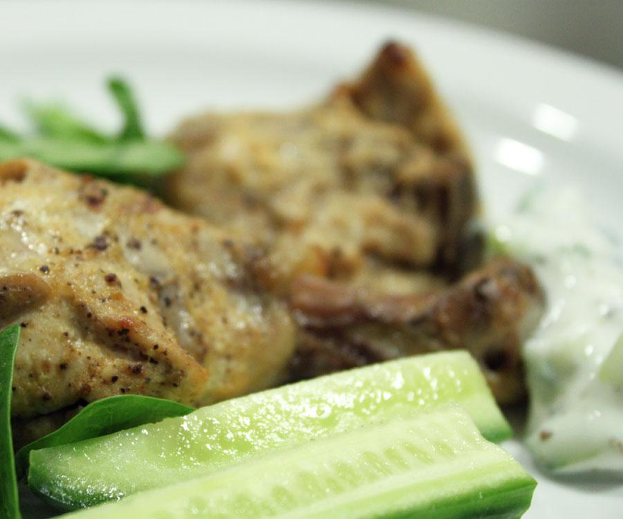 Tandoori kylling (tikka masala) med raita opskrift - Madkogebogen